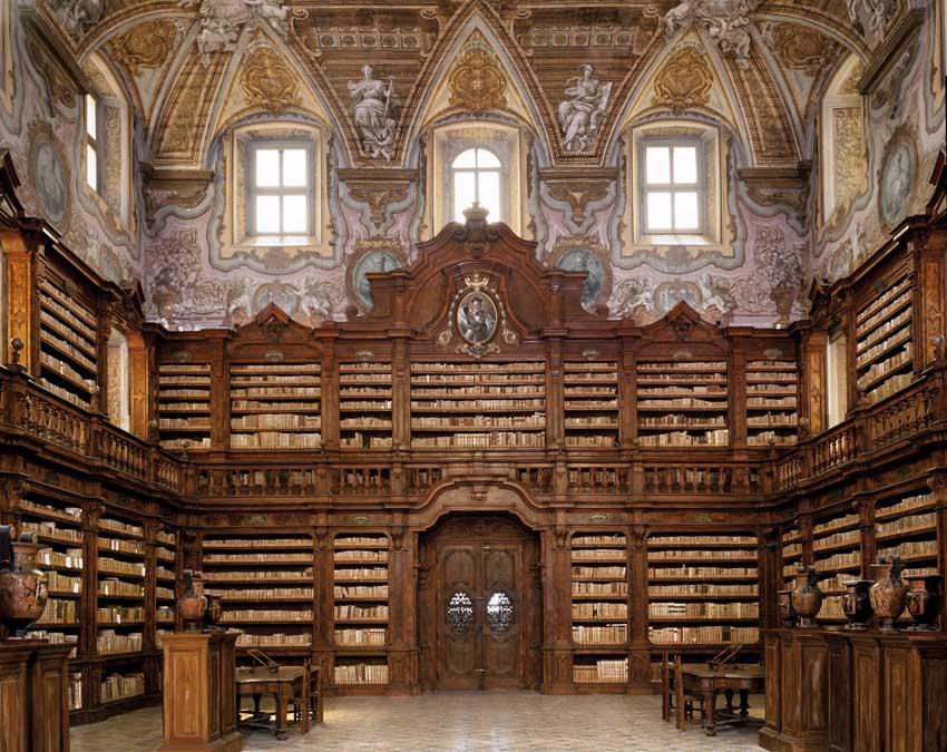 Biblioteca-dei-Girolamini (1)