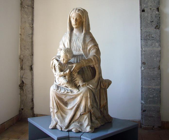 Napoli Castel Nuovo Madonna con Bambino  da S. Agostino alla Zecca